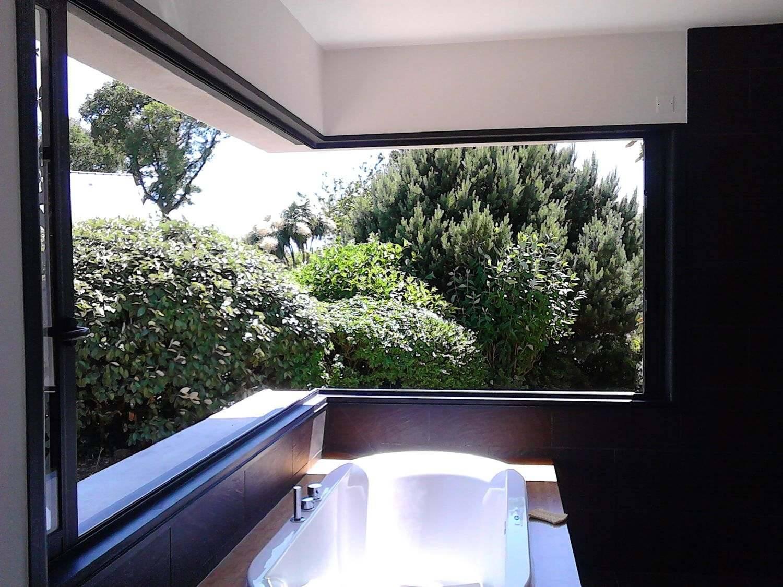 Baies et Fenêtres coulissantes d'angle Salle de Bains Ty Alu